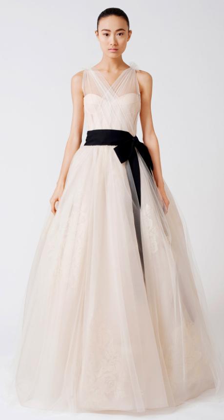 robe vera wang | WHITE- BLACK CLASSIC | Pinterest | Amazing dresses ...