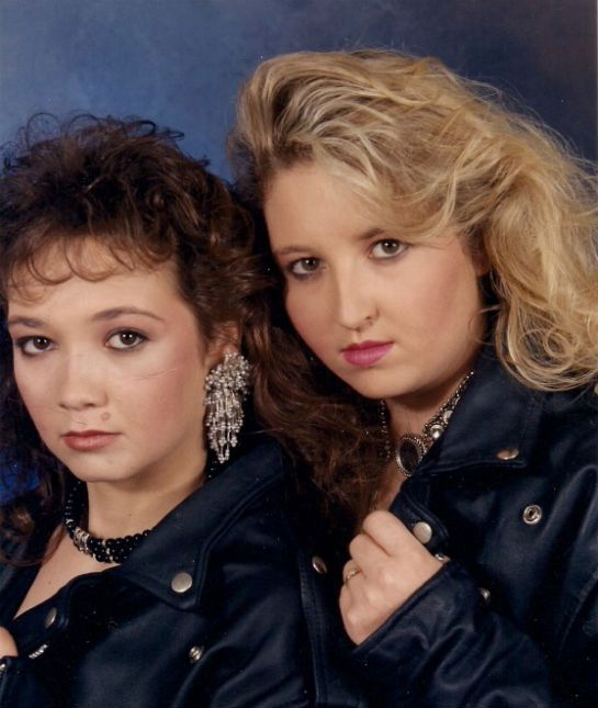 15 Awkward Sibling Photos--We Love the '80s--You know that they say—the sisters who take glamour shots together, have giant hair together.