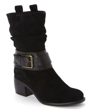 Black Curve Ball Boot