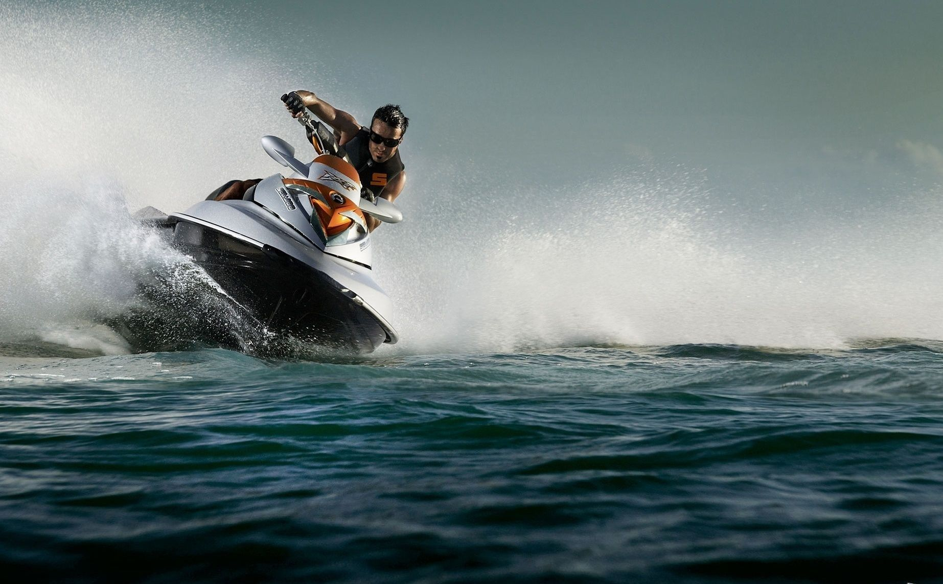 Prodaja Plovila I Opreme Za Plovila Rabljeni Brodovi Jahte Jedrilice Gliseri I Ostala Plovila Jet Ski Sports Wallpapers Skiing