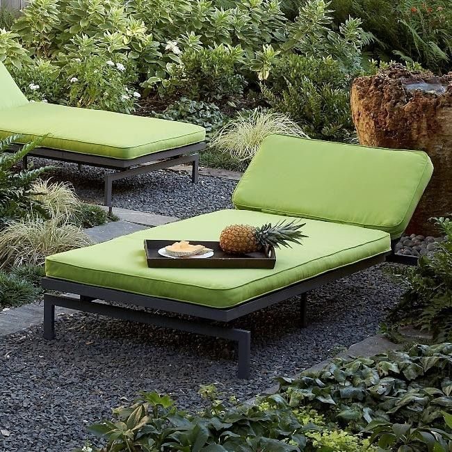 Outdoor Chaise Lounge W/ 6 Reclining Pos. Green Mint Cushion. Perfect Additio...