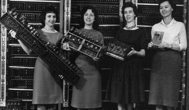 U.S. Secret Weapon in the Second World War-Women-computer - News - Bubblews