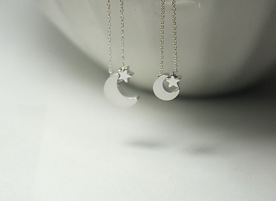 Celebrate the joy of family. This beautiful Mother Daughter Silver Moon Star Necklace jewelry set is a perfect gift for a mother and daughters, sisters or best friends. It would also make a wonderful gift for mommy and baby, for mother child jewelry,new mother jewelry,Big sister and little sister