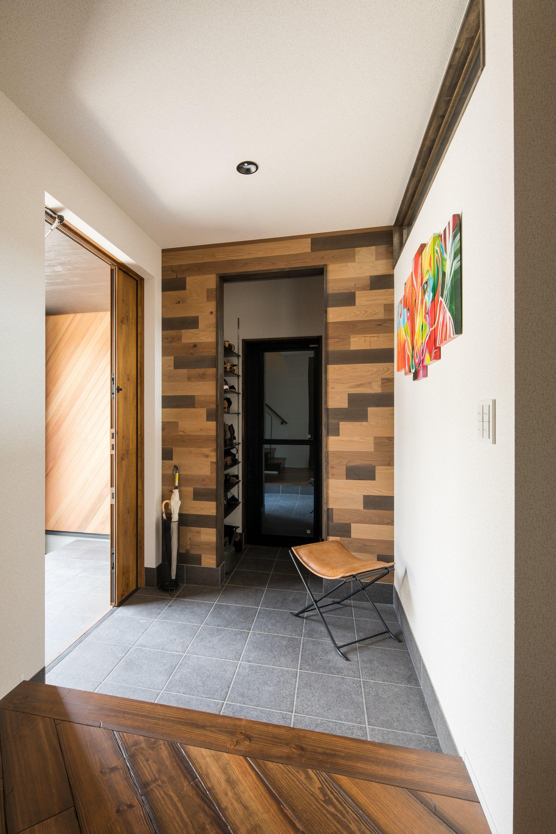 木の組み合わせが遊び心溢れる玄関 ルポハウス 設計事務所 工務店