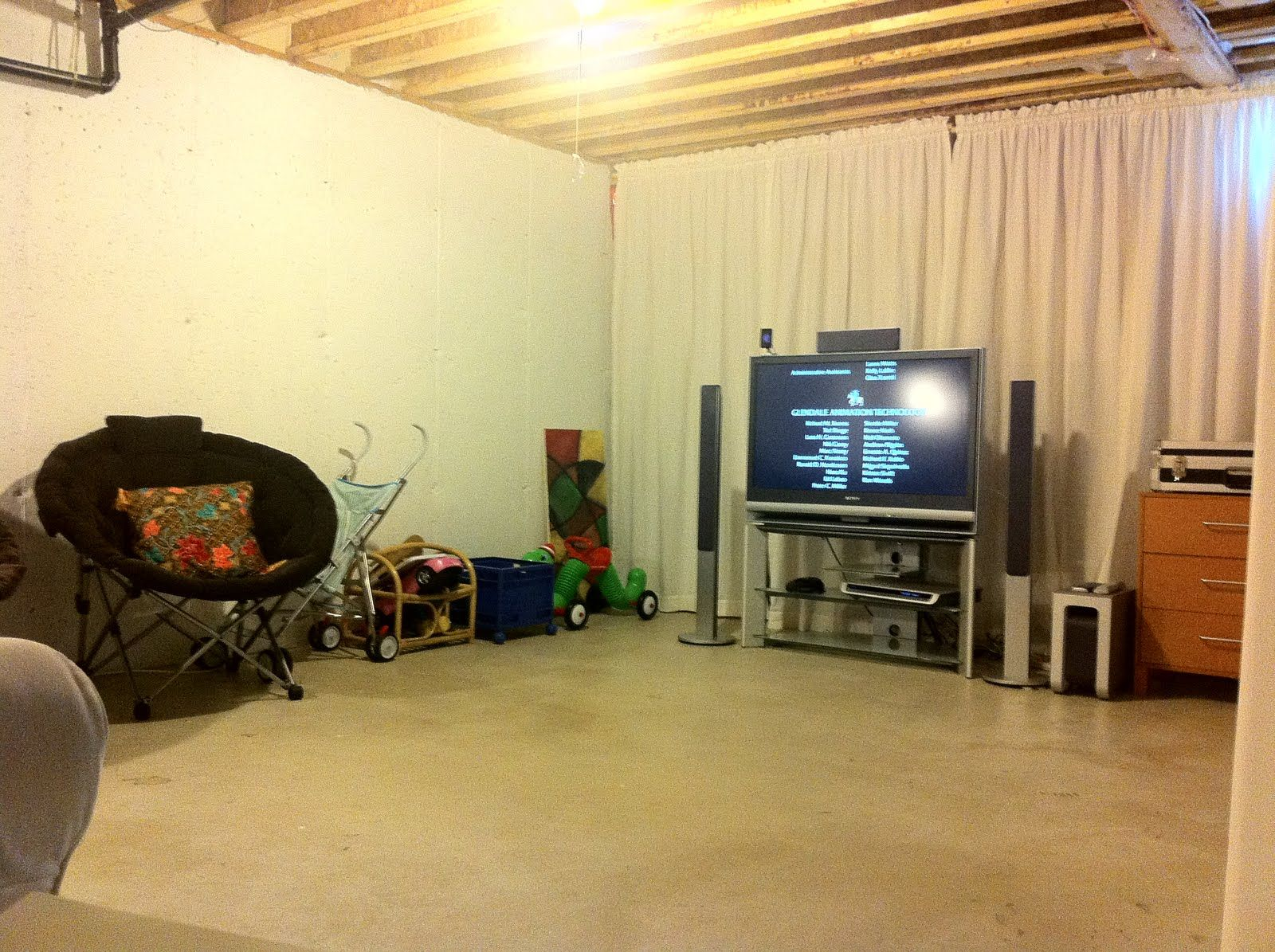 20 Amazing Unfinished Basement Ideas You Should Try | Small playroom ...
