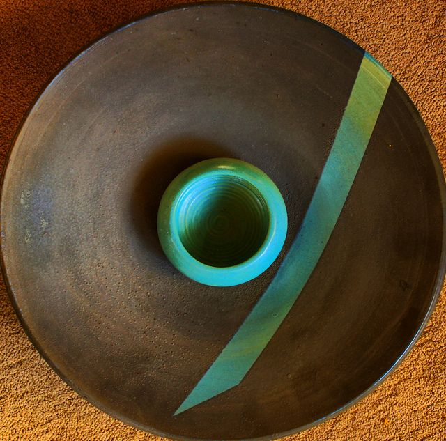 like the tension created in this piece by the clever use of glaze