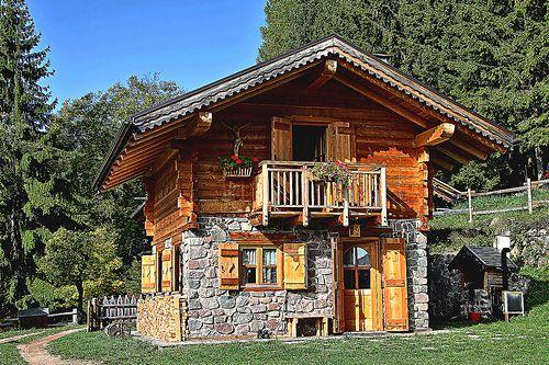 Casa Montagna  Mountain House - Fovi Alpipiano Pinè Trentino Italy by marvin 345, via Flickr
