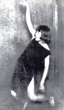 Tomoyoshi Murayama, »tanzend«