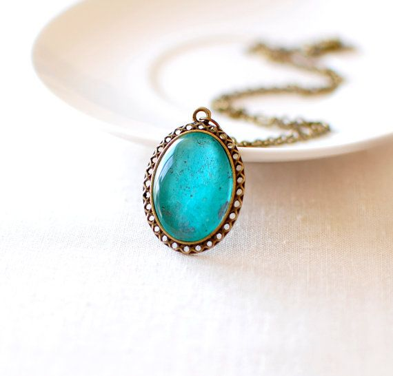 Hey, I found this really awesome Etsy listing at https://www.etsy.com/listing/114210974/emerald-necklace-green-pendant-necklace