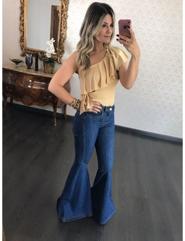 7a76e302e6cd2 Calça Jeans Maxi Flare Fernanda Bebela