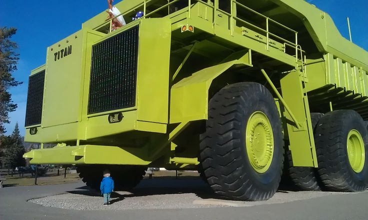 One Of The Biggest Trucks In The World Little Human For A Scale