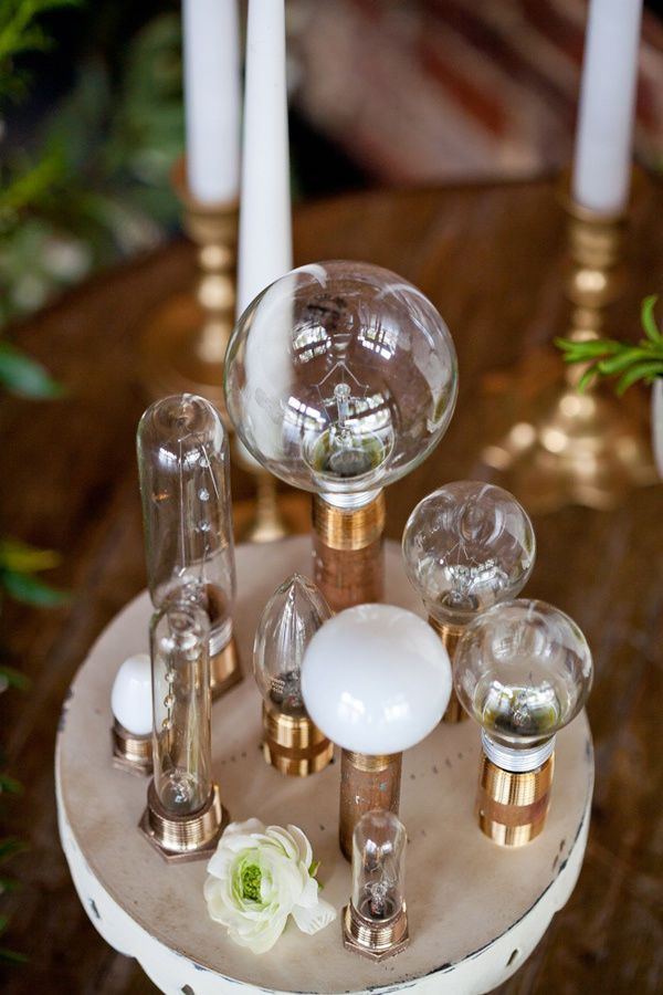 10 Examples Of Cool Edison Bulb Wedding Decor Table