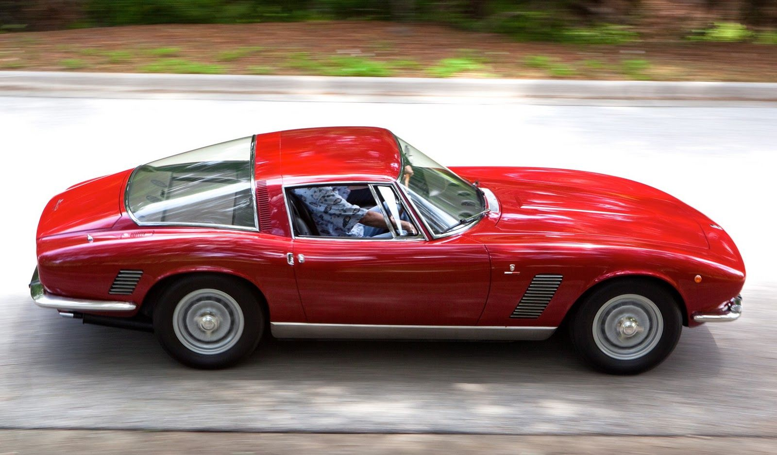 iso grifo very interesting supercar had a chevrolet 327 v8 but was