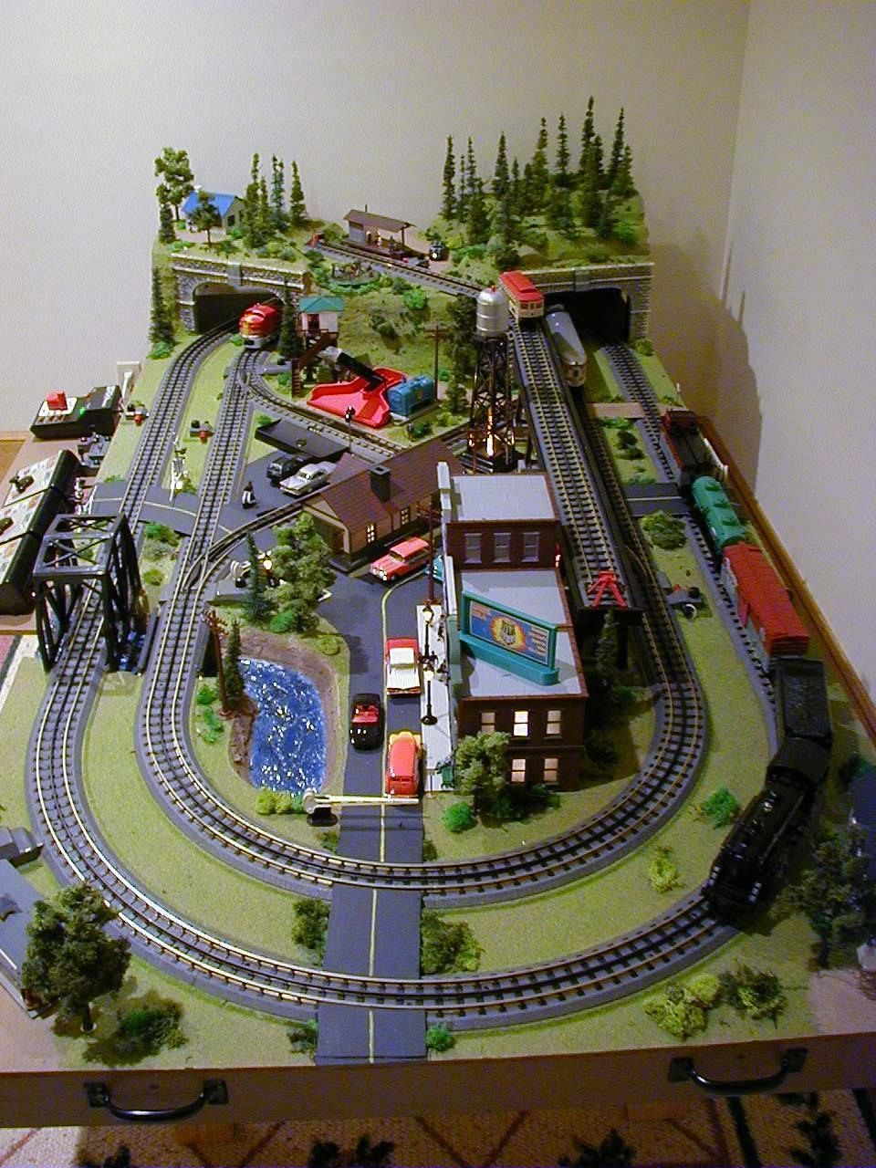 Scale Layout With Mth Track And Lionel