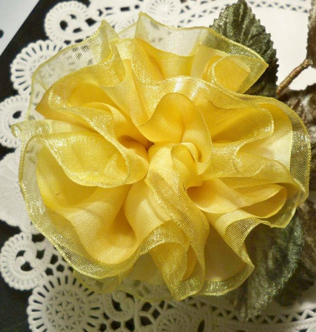 8 pleated flower