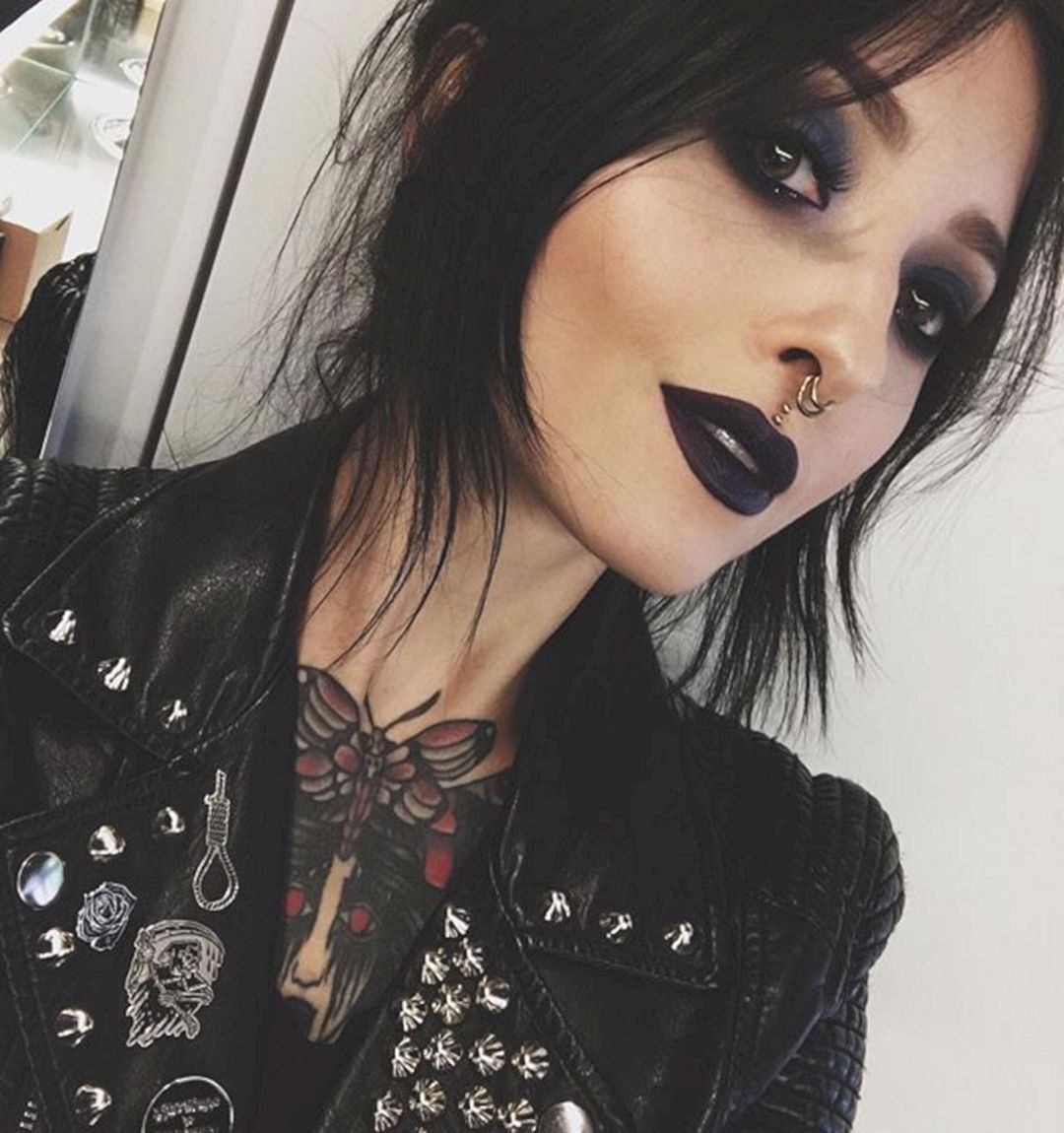 Amazing 50 Gorgeous Black Lipstick For Women Looks Cool Https Www Tukuoke Com 50 Gorgeous Black Lipstick For Women Loo Dark Makeup Punk Makeup Grunge Makeup