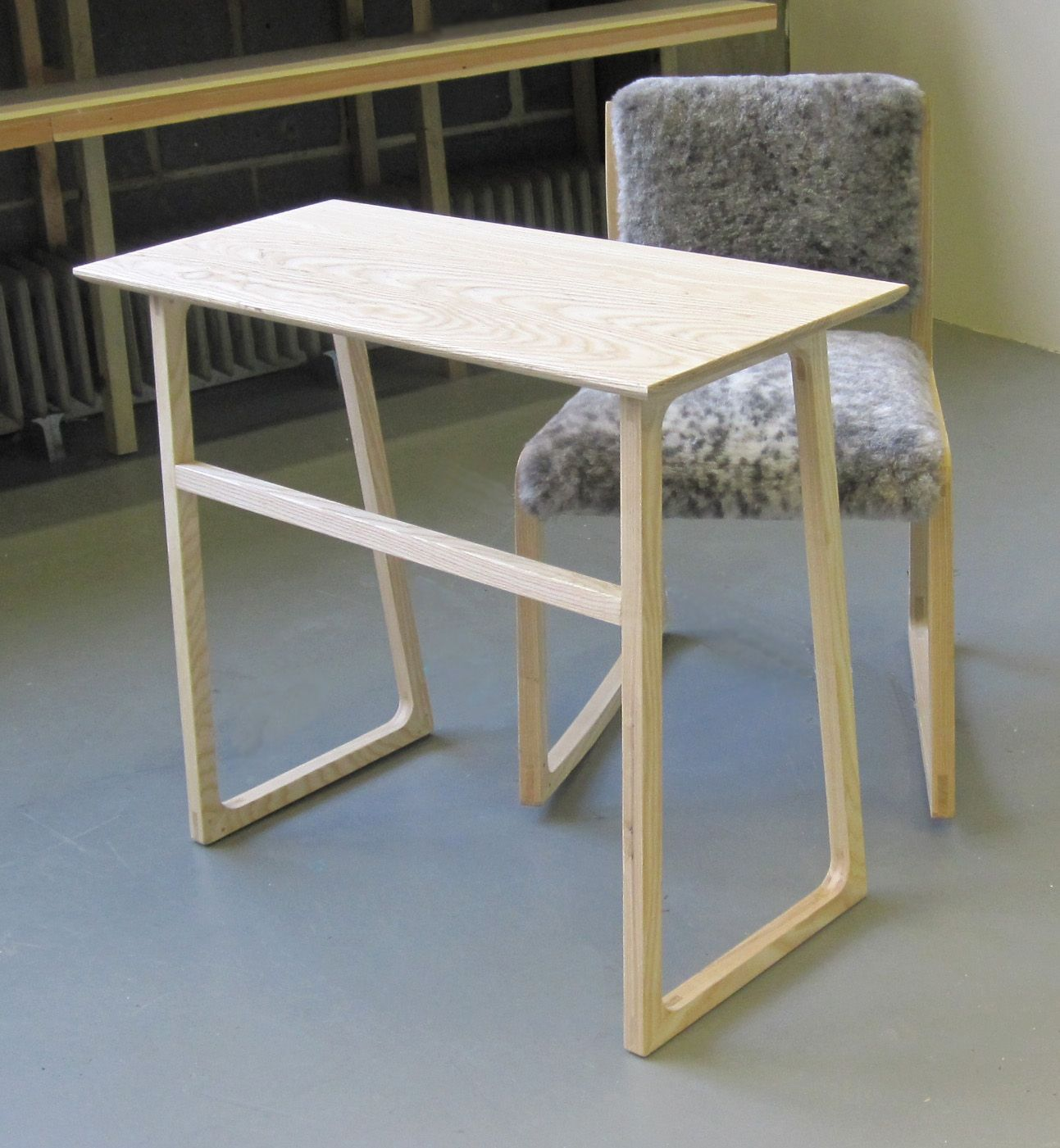 A work chair that rocks the fidget and matching desk (prototypes) by Lindsay & A work chair that rocks: the fidget and matching desk (prototypes ...