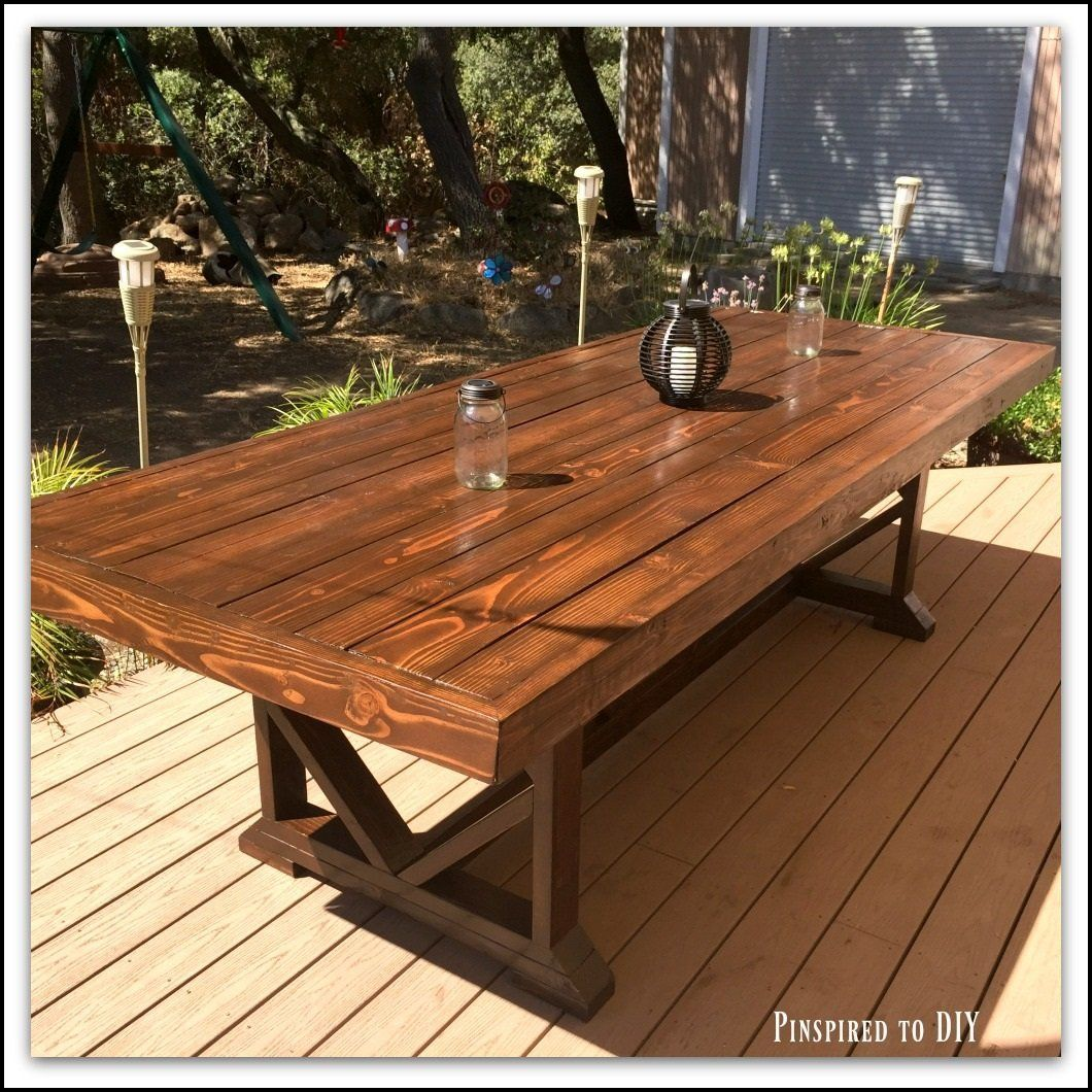Free plans for building an diy large outdoor dining table that seats 10 to 12 add beauty and functionality to your back yard with this great diy table