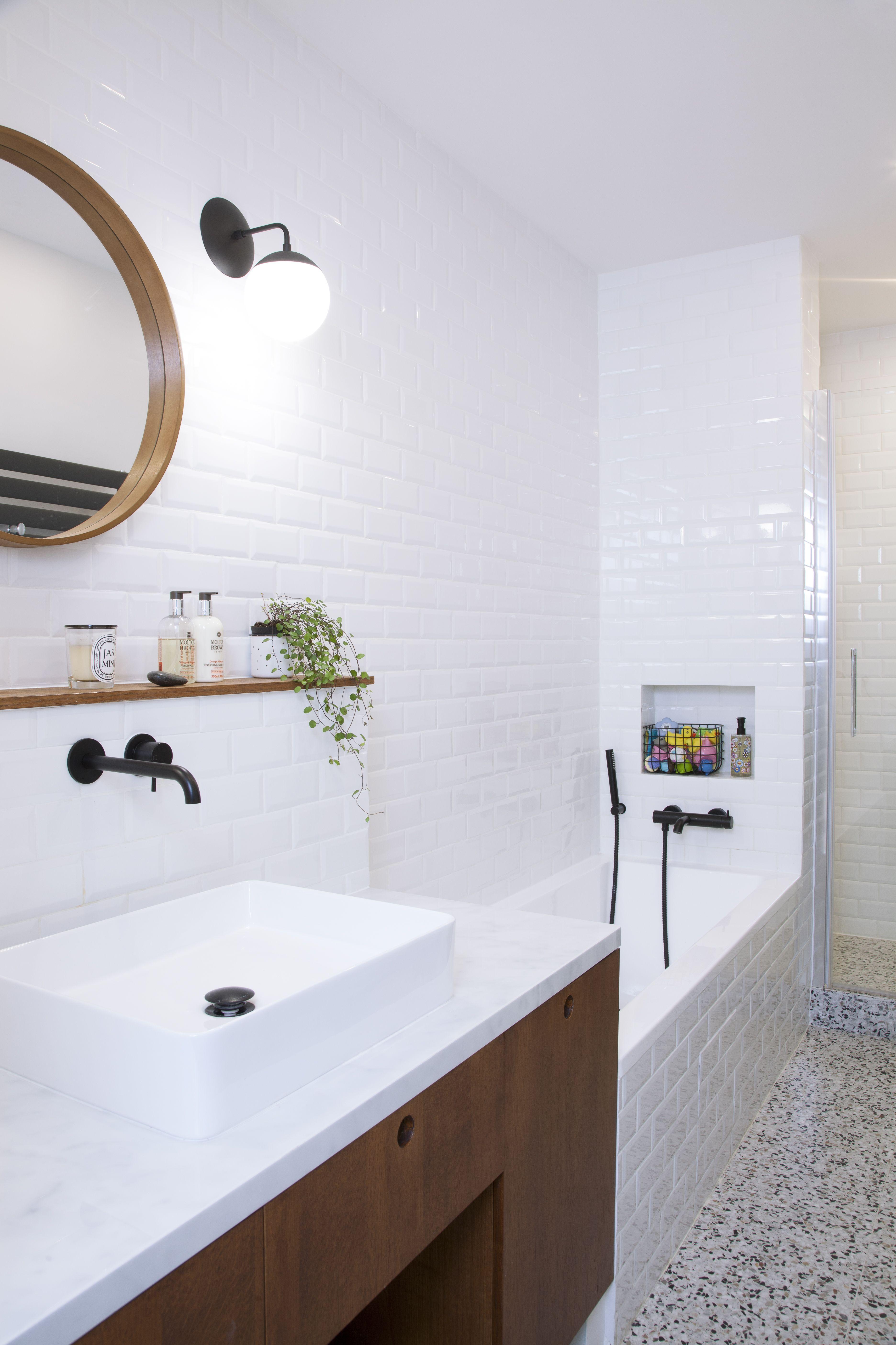 R novation d 39 un appartement haussmannien pour anne sophie - Renovation mur salle de bain ...