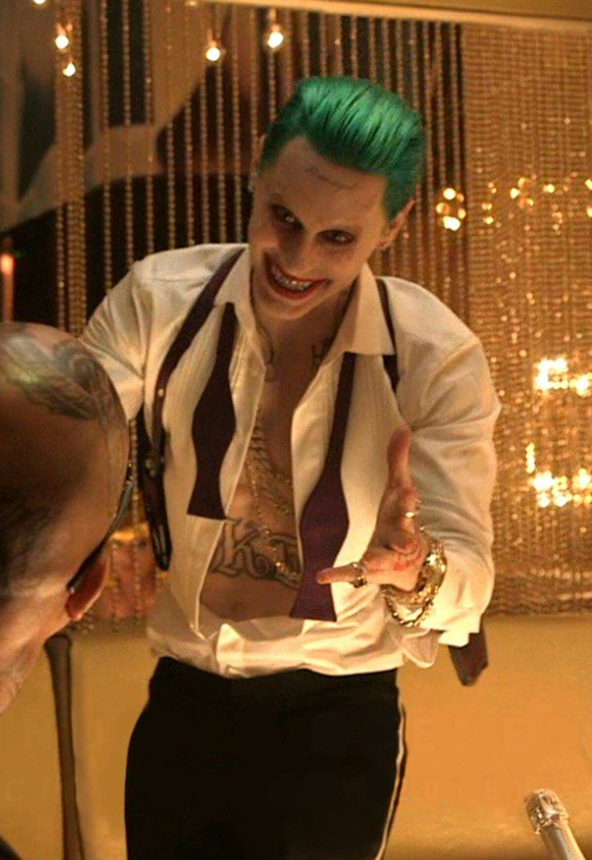 Idk why im even still pinning himicide squad is terrible xd lots of inspiration diy makeup tutorials and all accessories you need to create your own diy suicide squad joker costume for halloween solutioingenieria Choice Image