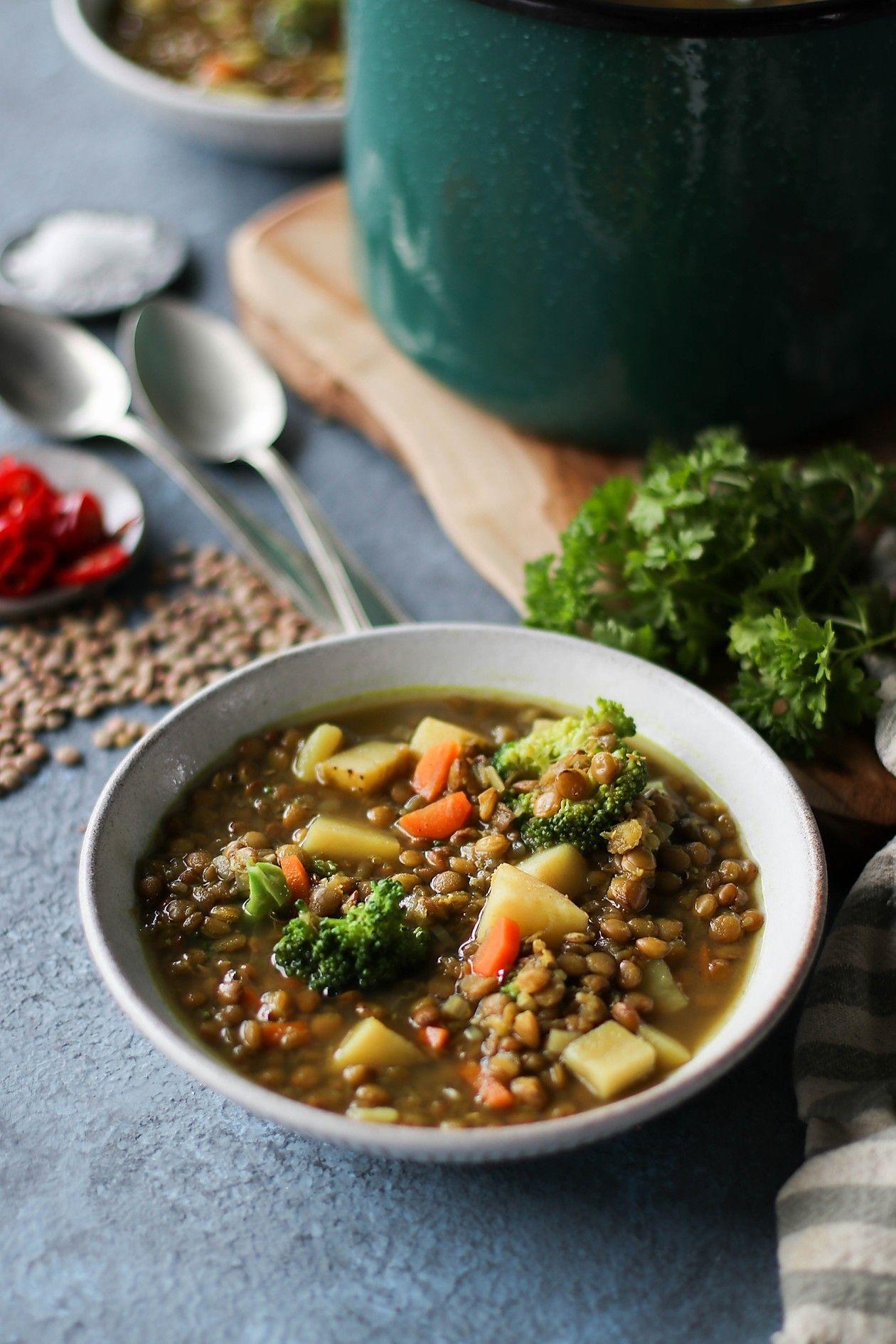 One Pot Veggie Lentil Soup In 2020 Veggie Lentil Soup Veggies Veggie Soup