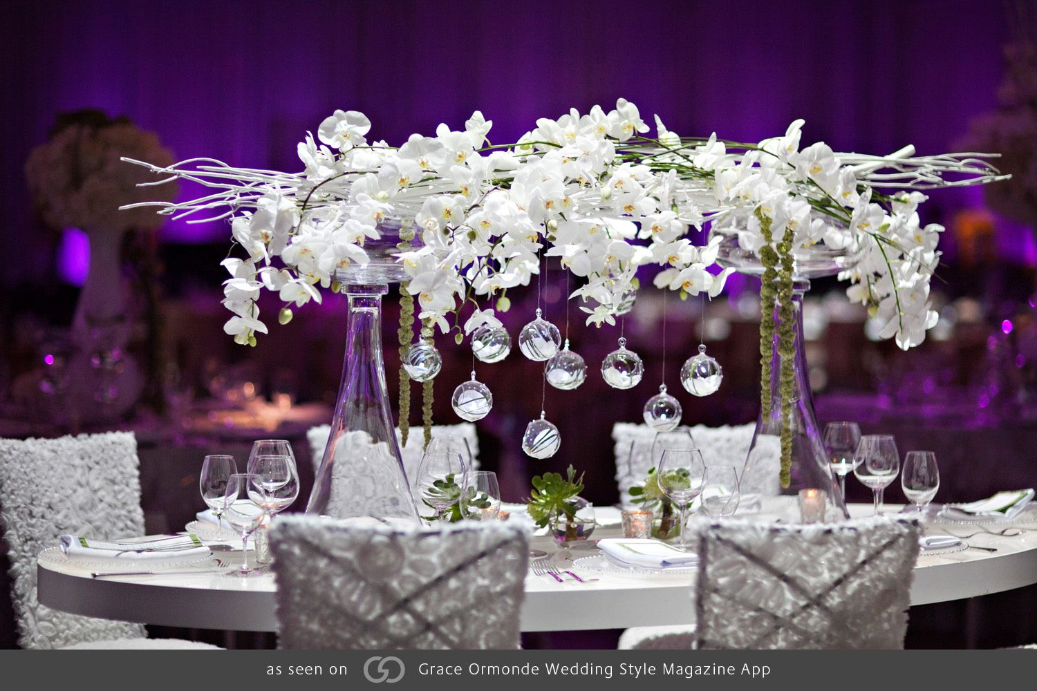 Classic elegance with modern touches create the perfect harmony. @grace_ormonde @wedding_style