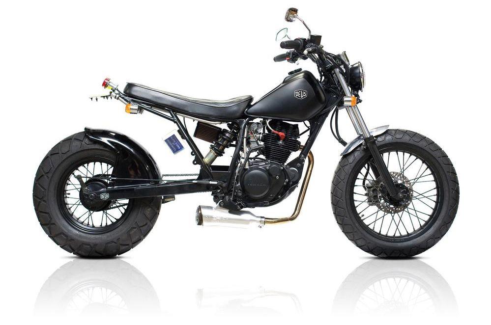 Motographite Yamaha Tw 225 Black Widow By Deus Motorcycle Cool Bikes Black Widow