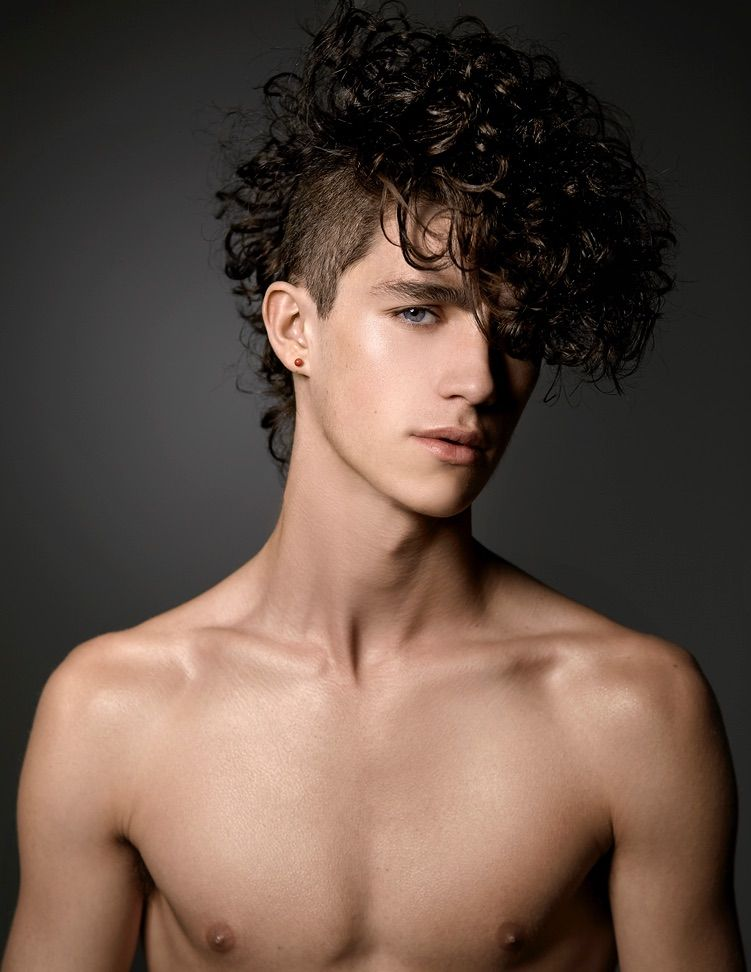 Cool Curly Hair Haircut For Guys
