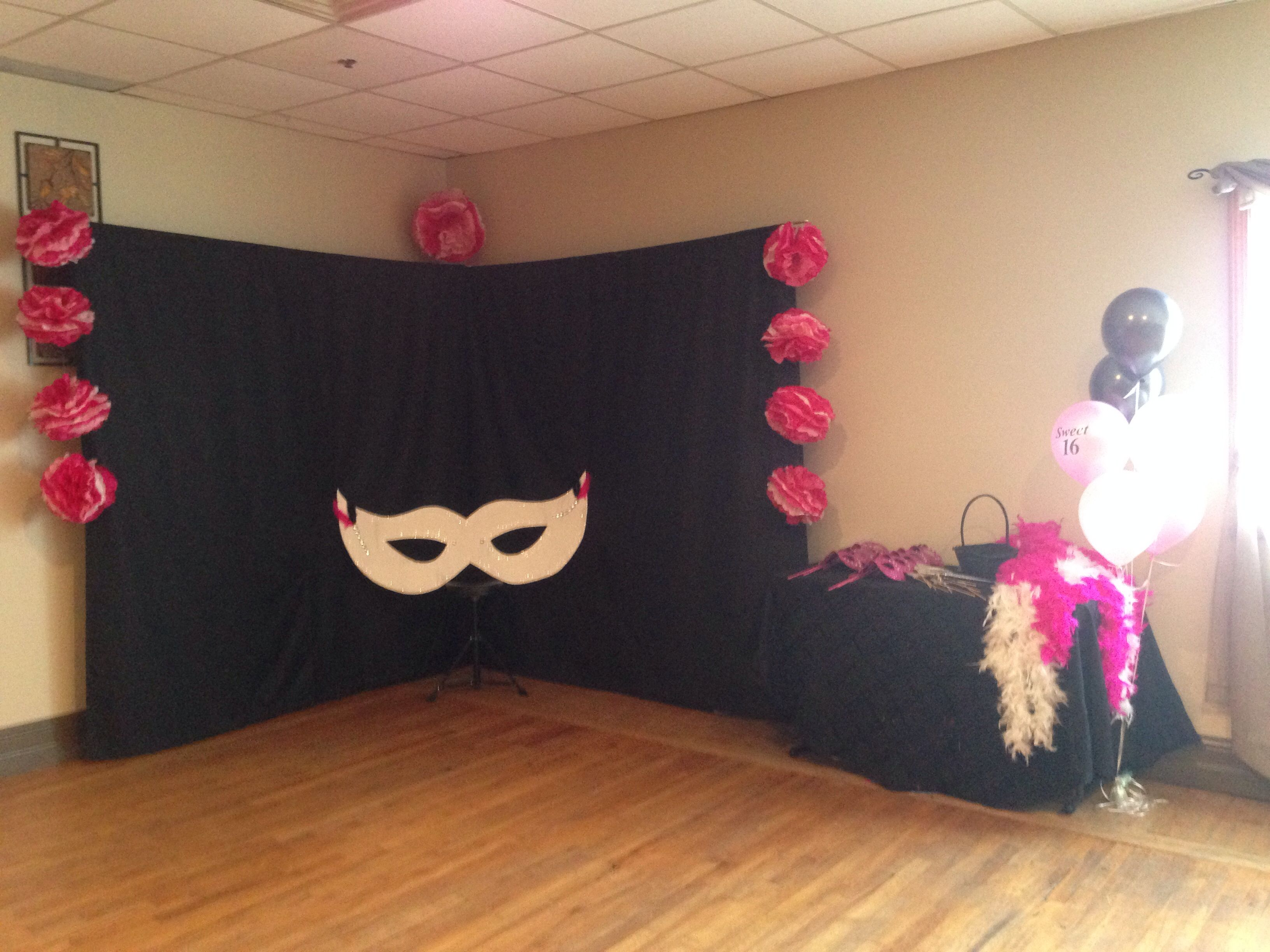 Masquerade Party Photo Booth Masquerade Party Decorations Masquerade Party Themes Masquerade Party Invitations