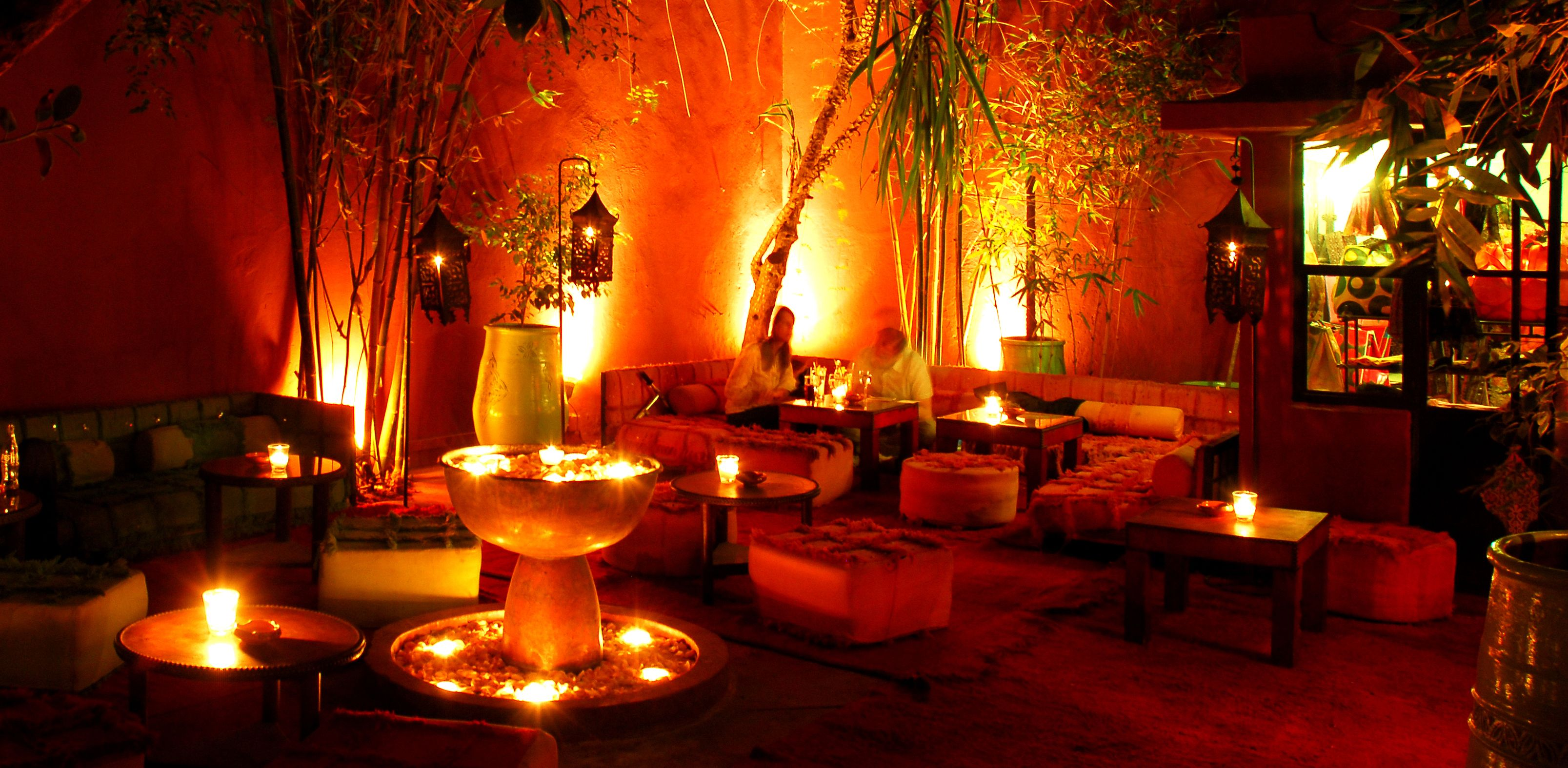 bars in marrakech le comptoir darna. Black Bedroom Furniture Sets. Home Design Ideas