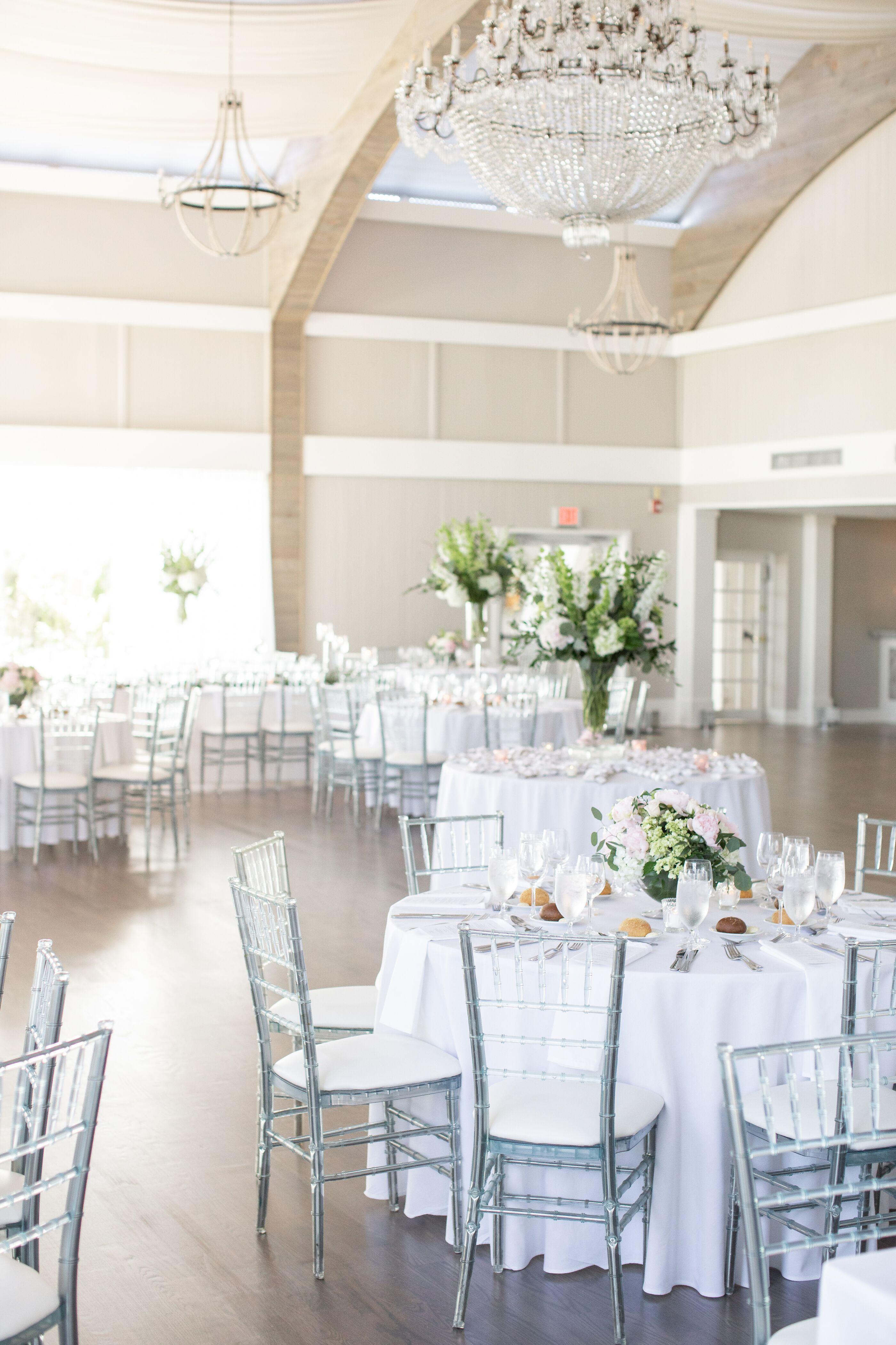 All White Indoor Hamptons Wedding Reception At Oceanbleu In Westhampton Beach New York Dream Turned Rea Hamptons Wedding Beach Theme Wedding Indoor Reception