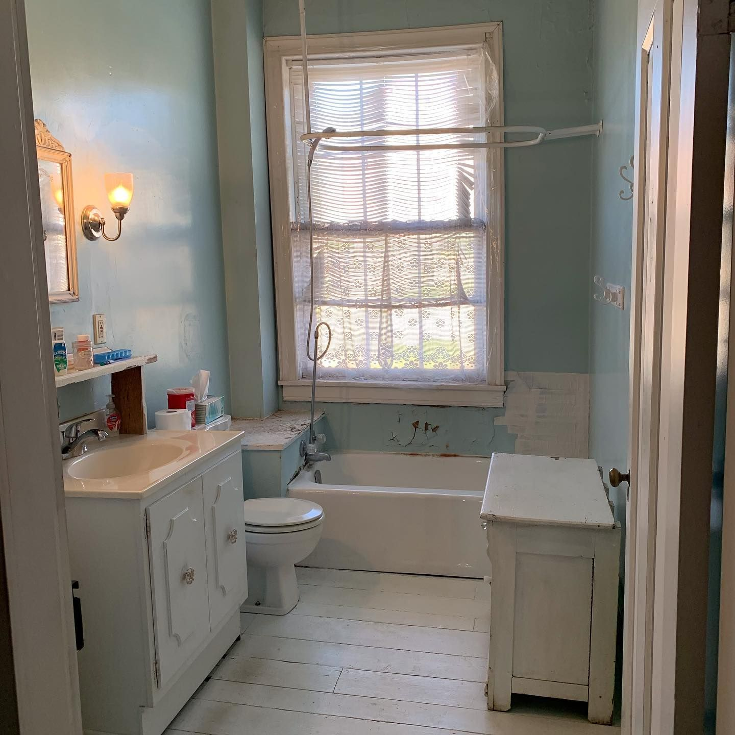 Day 1 Of Our Bathroom Remodel Of Our Historic C 1841 Home In Burlington Iowa 1 Before Pic 2 Tub And Vanity Removed 3 Some Of The Brick Wall Exposed T In 2020