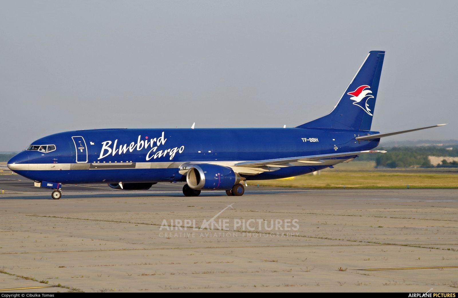 Bluebird Cargo Boeing 737400F photo by Cibulka Tomas