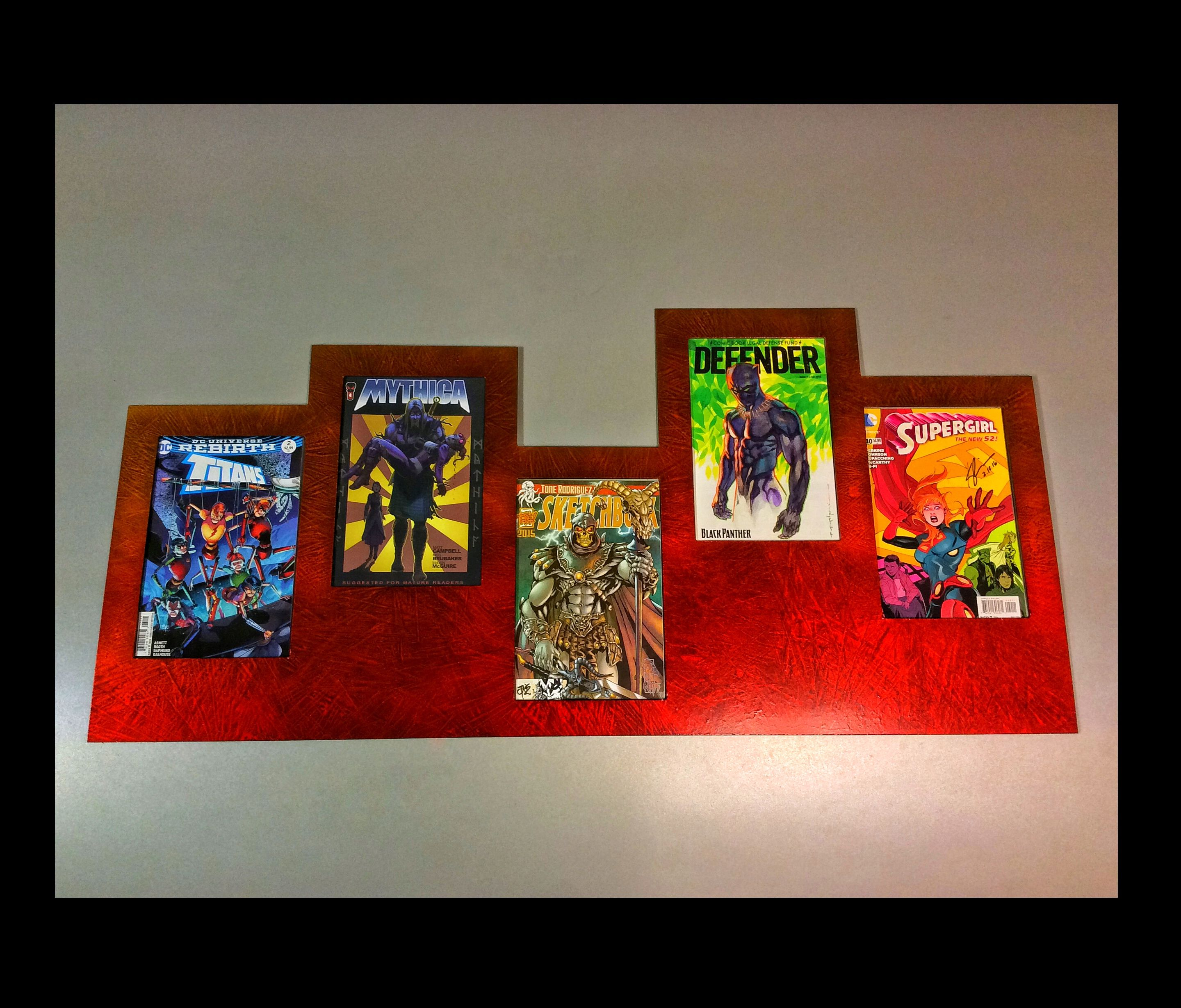 The MultiFrame V in Marble Red for comic books | Collecting and ...