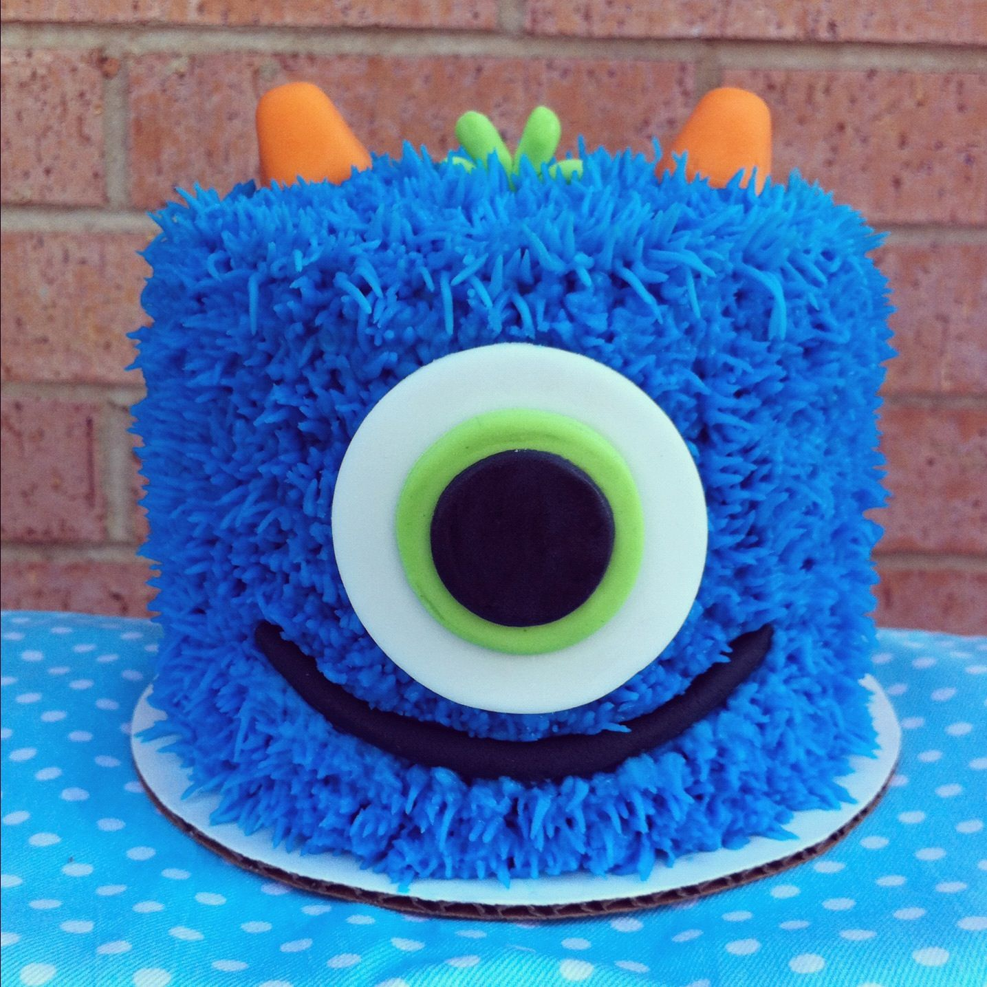 Blue Monster Cake This is the one!! | Bolos de monstro