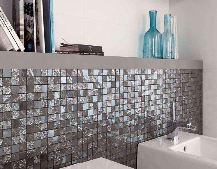 Bagni moderni con mosaico in bathrooms