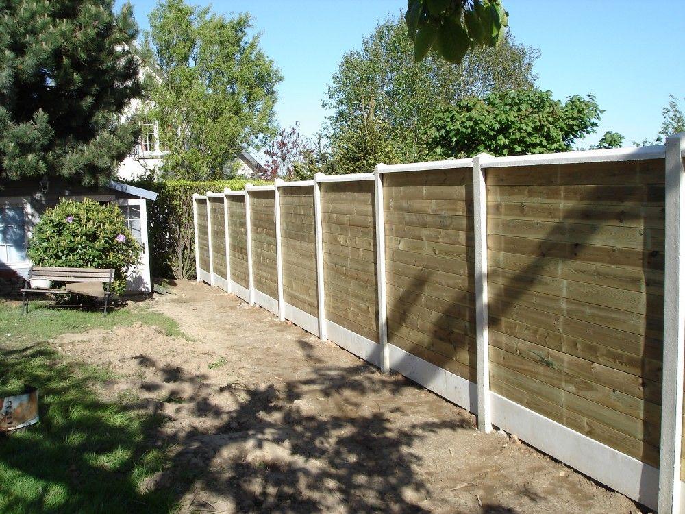 Installation d\'une clôture occultante mixte bois et béton | Jardin ...