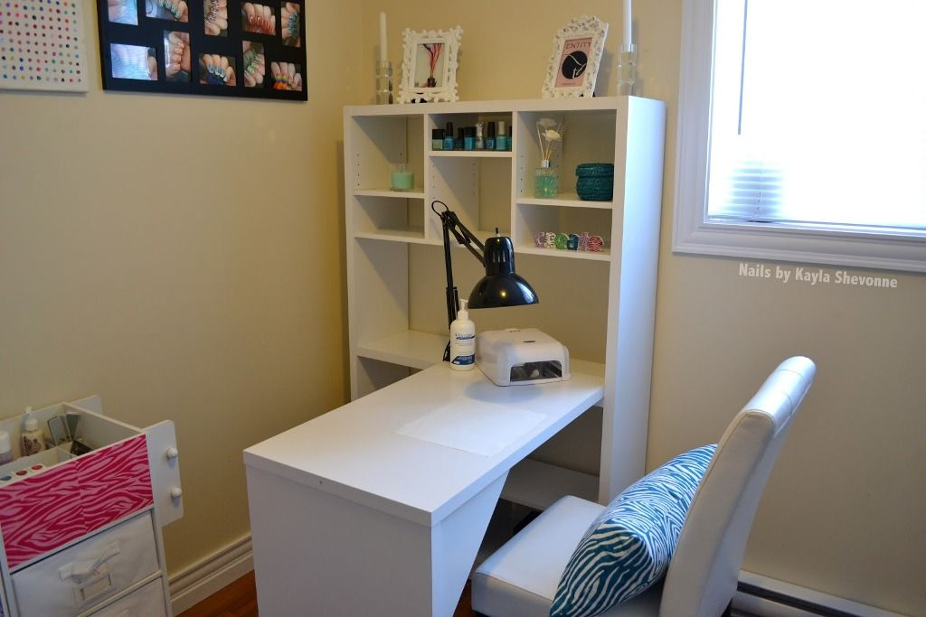 Extraordinary cool white desk for work in fancy white small space interior design