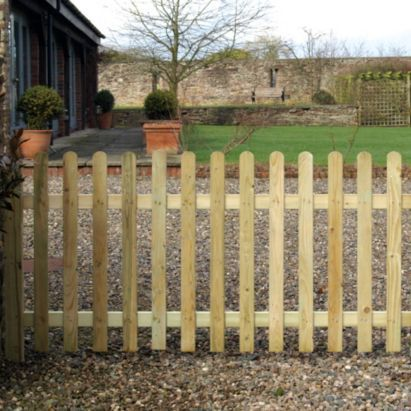 Grange Softwood Roundtop Palisade Fence Panel Natural 0.9 x 1.8m, 5019063270324