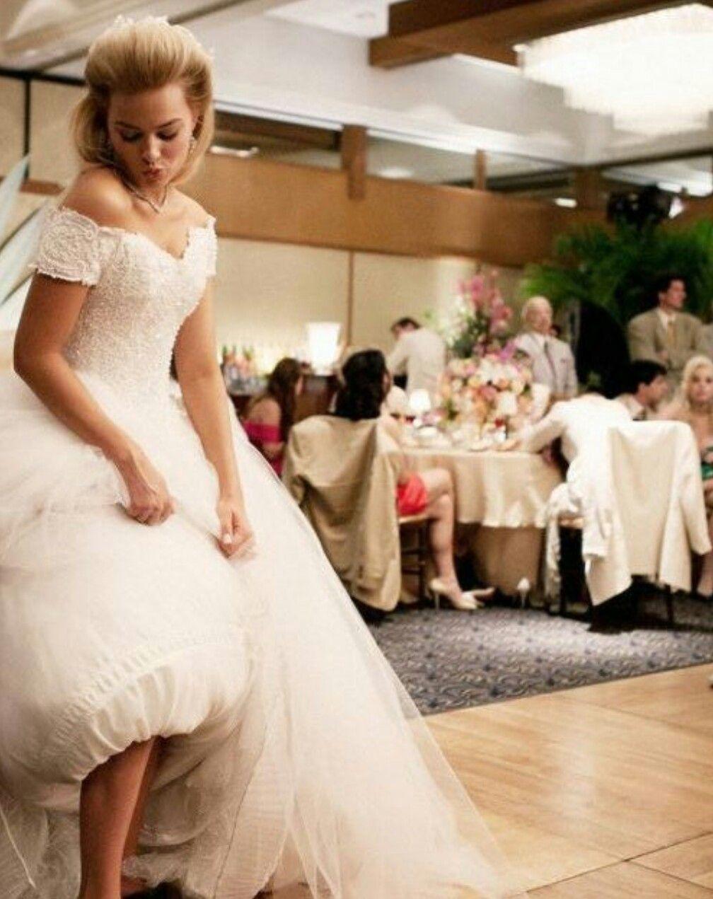 Margot Robbie Wedding.Margot S Wedding Dress Margot Robbie Margot Robbie