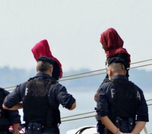 Un'inchiesta che riporta numeri, dati e cifre sul sistema hotspot di Taranto ecco la conferma degli abusi, delle violenze e le violazioni dei diritti umani messe in campo oggi in Italia sulla pelle di migranti