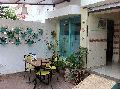 Daddy S Deli Indiranagar Bangalore With Images Outdoor Decor