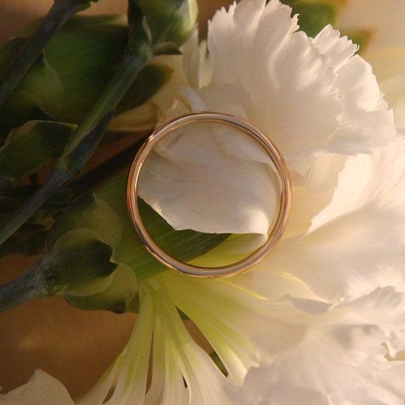 simple rose gold round band