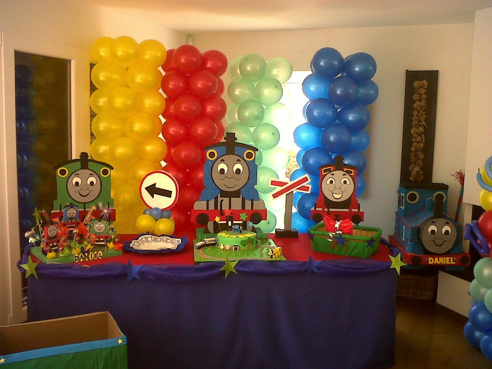 Diy Thomas The Train Birthday Decorations Ideas Para Fiesta De Y Sus Amigos Fiestas And