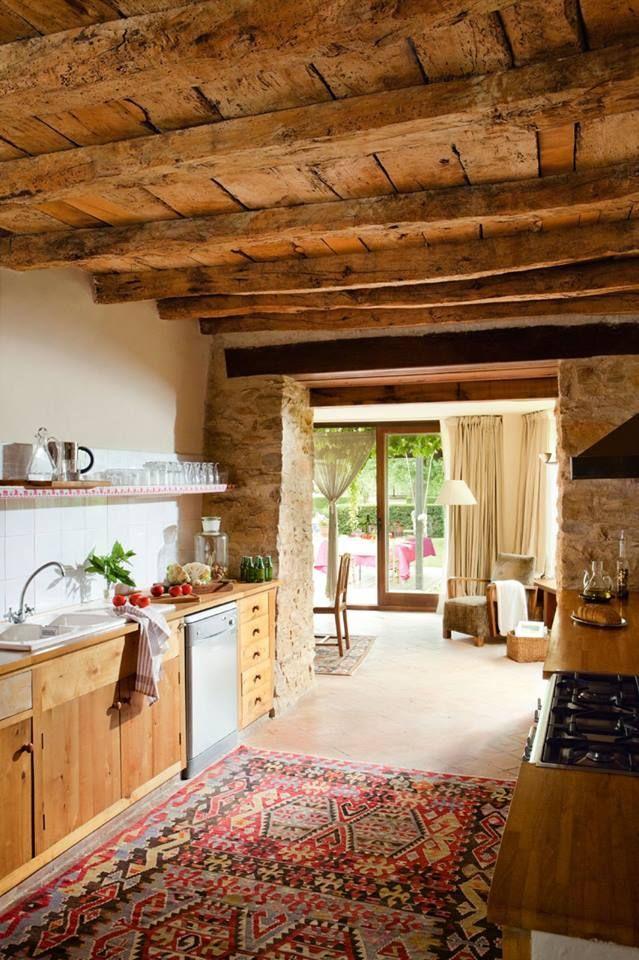 Techo de madera y muros de piedra galerias pinterest - Techos rusticos interiores ...