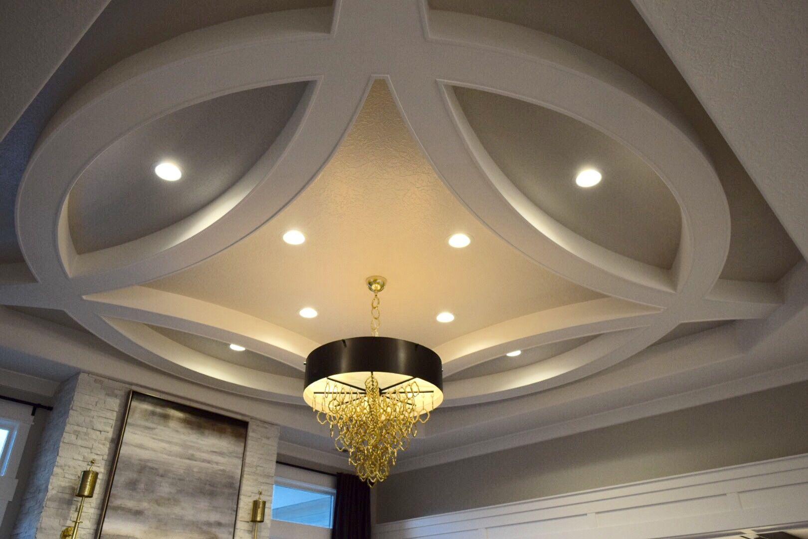 Round ceiling molding detail | Ceilings in 2019 | Bedroom ...