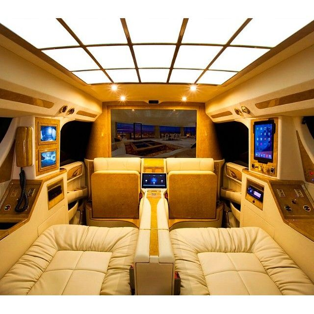 Most ĺuxurious buses of the World. @travelbayz #travelbayz #luxurylife #luxurybuses  Kitchen, bedroom, electronic systems, LCD TV, comfortable chairs, and all the necessities. Interior design and decoration of the bus is really beautiful. These buses are