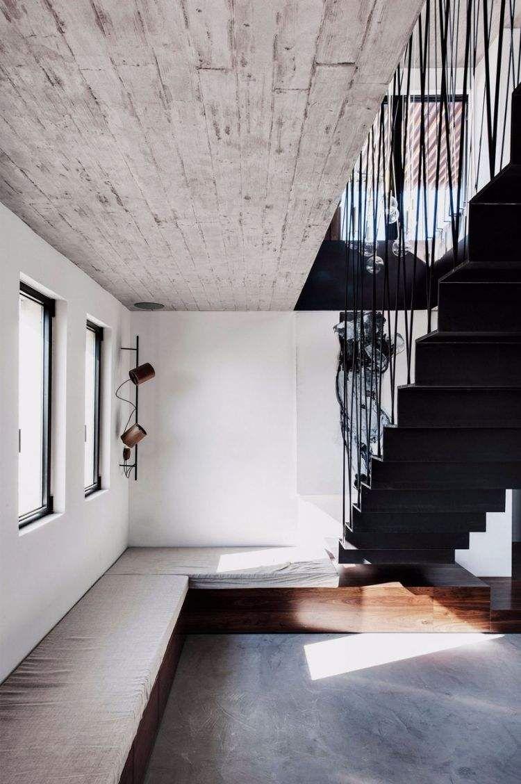 Populaire béton ciré sol, plafond brut et escalier droit métallique  YD26
