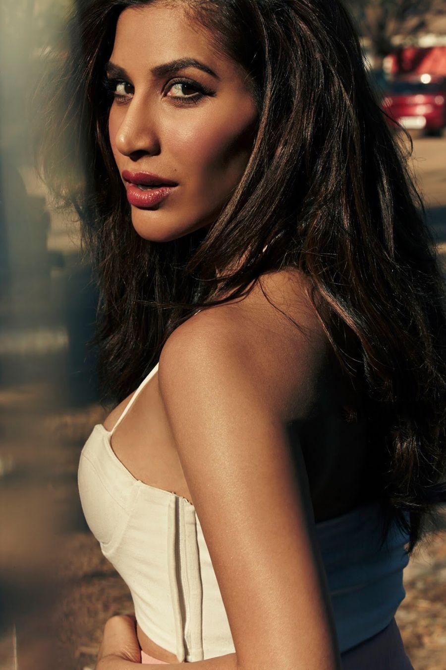 Watch Sophia Chaudhary video