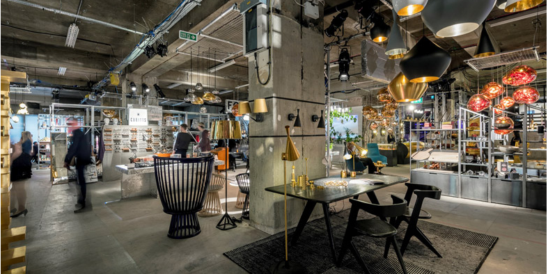 A multisensory pop-up department store in the Old Selfridges Hotel, breathes new life into  unused space. http://www.thinktank.org.uk/blog/1917-multiplex.php